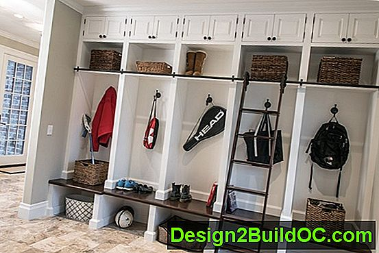 Mudroom Makeover For $ 95 - Ideer - 20192019.JulJul.SunSun