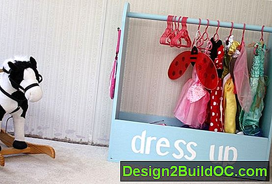 Dress Up Woodwork Con Un Colore Della Vernice